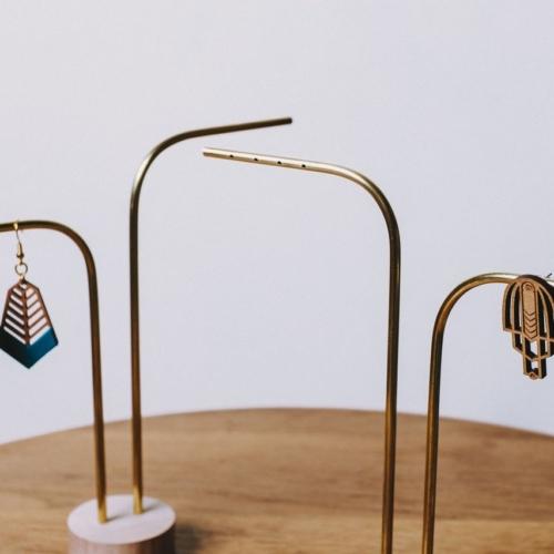 Anea | 2 tiges percées | Support à bijoux professionnel |