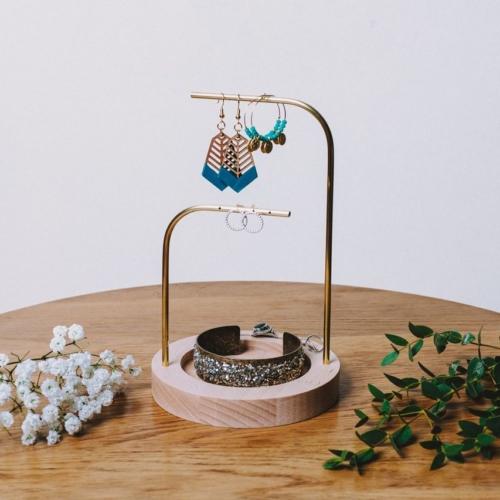 Orea | Porte bijoux | Hêtre et laiton |