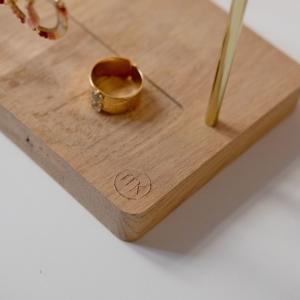 presentoir-bijoux-français